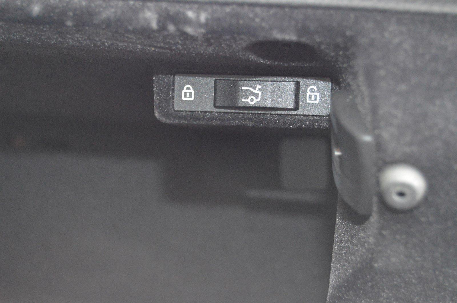 Used-2015-BMW-3-Series-320i-xDrive