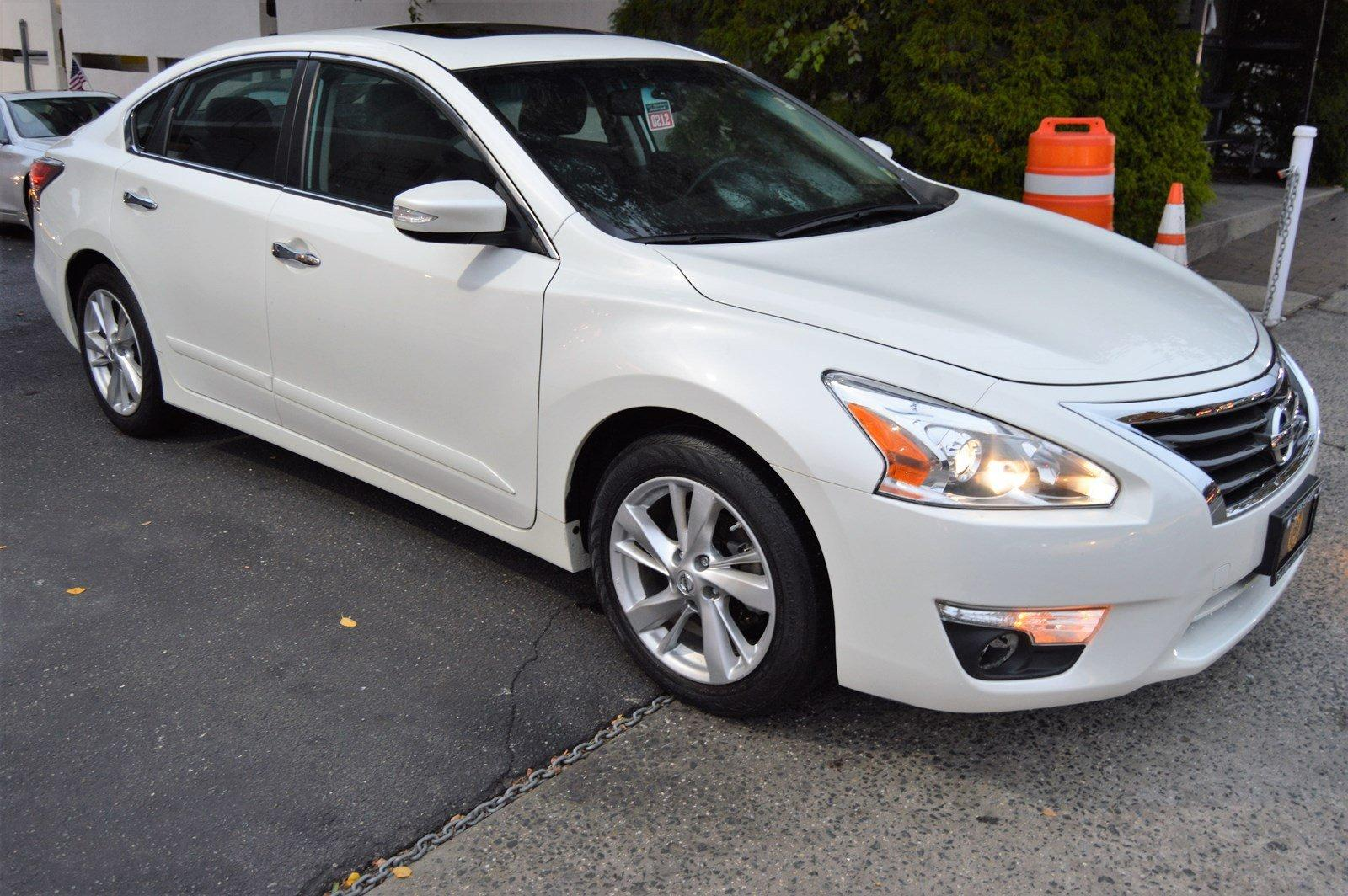 Used-2015-Nissan-Altima-25-SL