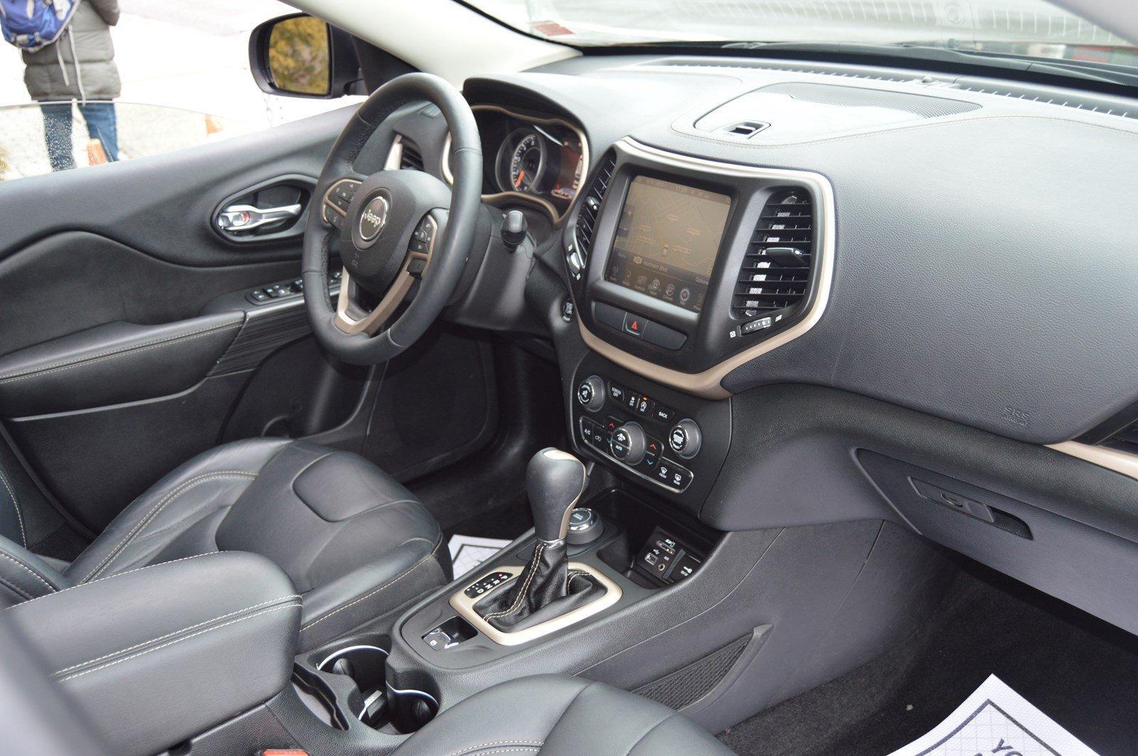 Used-2016-Jeep-Cherokee-Limited