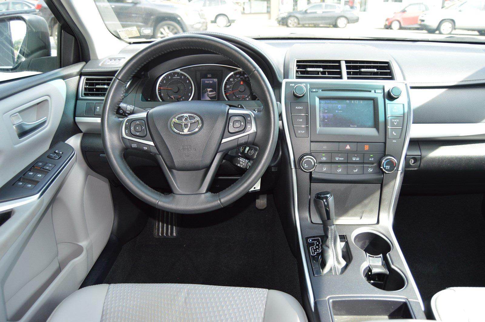 Used-2015-Toyota-Camry-SE