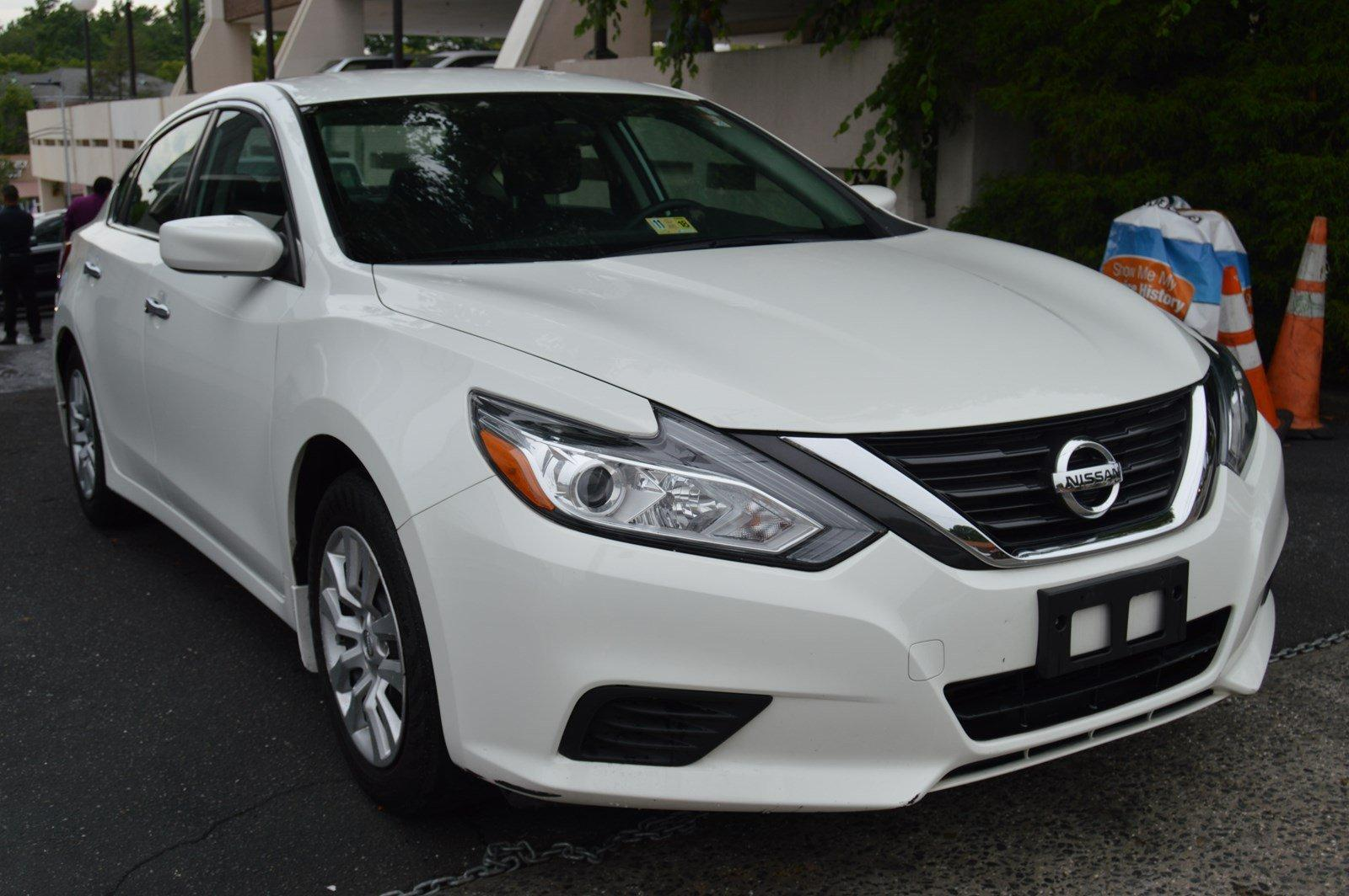 Used-2016-Nissan-Altima-25-S