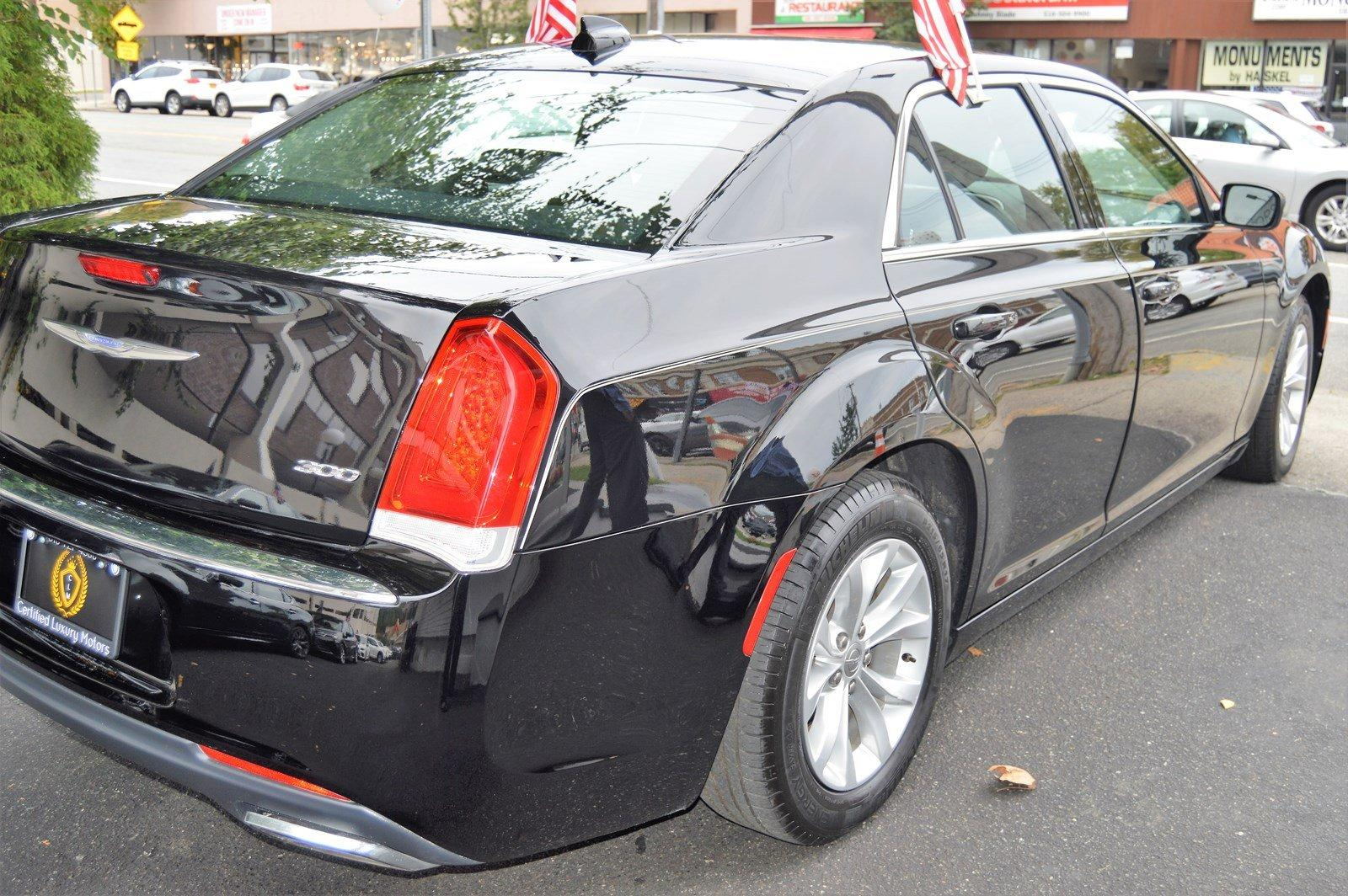 Used-2015-Chrysler-300-Limited