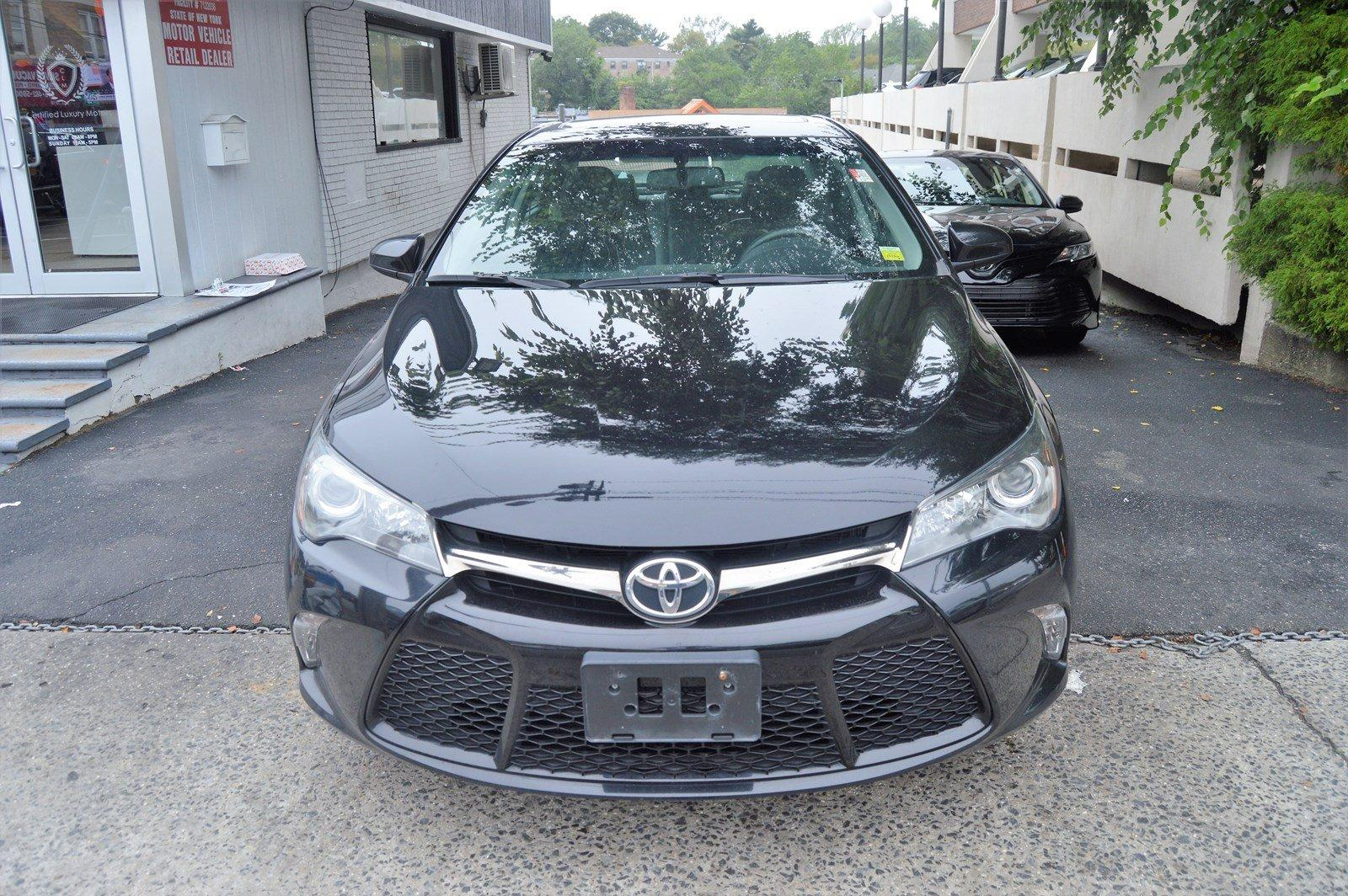 Used-2015-Toyota-Camry-XSE