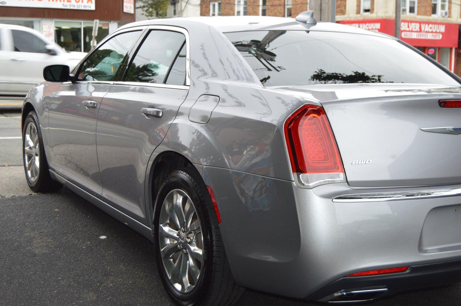 Used-2016-Chrysler-300-Anniversary-Edition