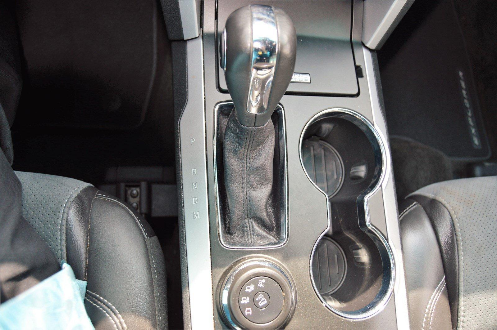 Used-2015-Ford-Explorer-XLT