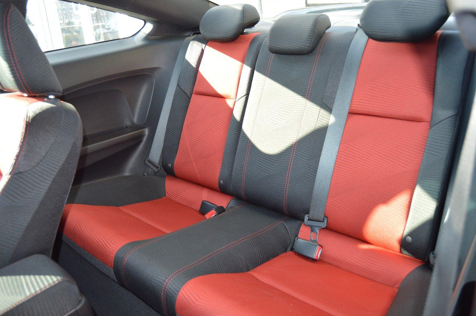 Used-2015-Honda-Civic-Coupe-Si