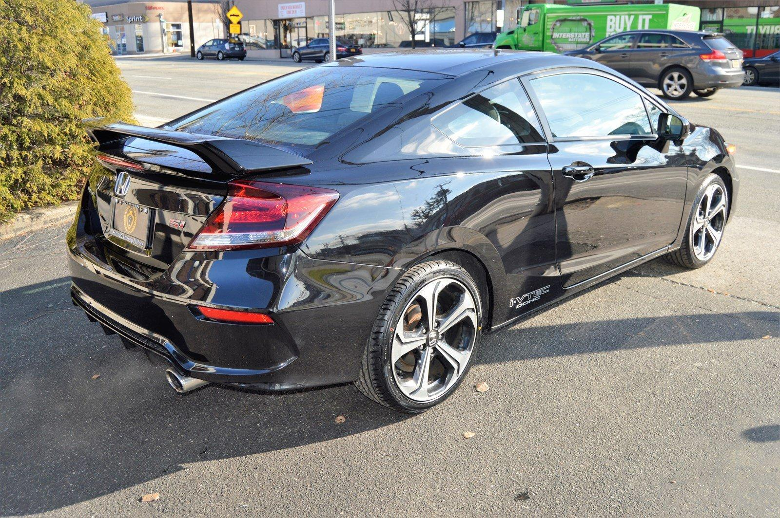 Used-2015-Honda-Civic-Coupe-Si