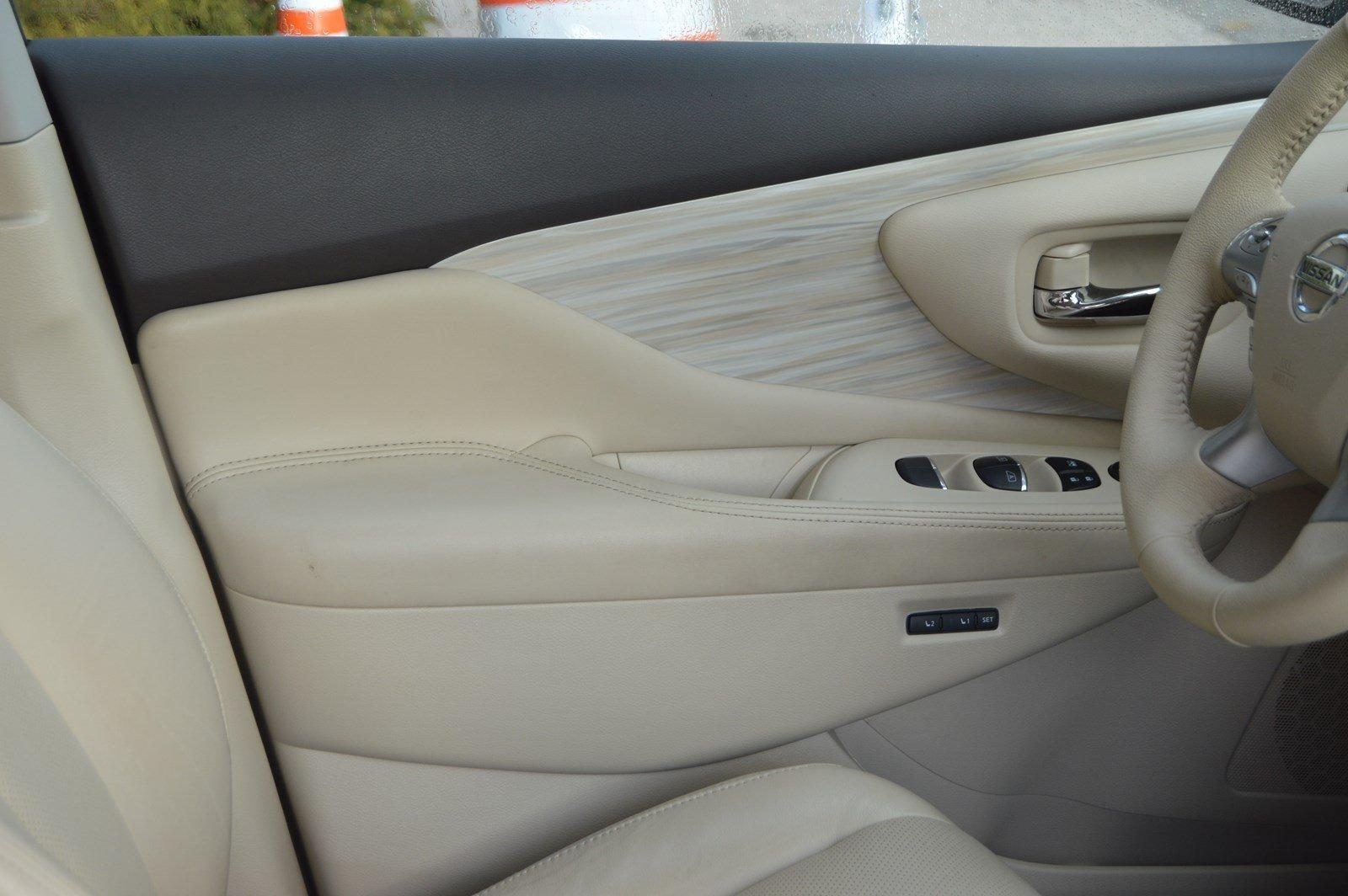Used-2015-Nissan-Murano-SL