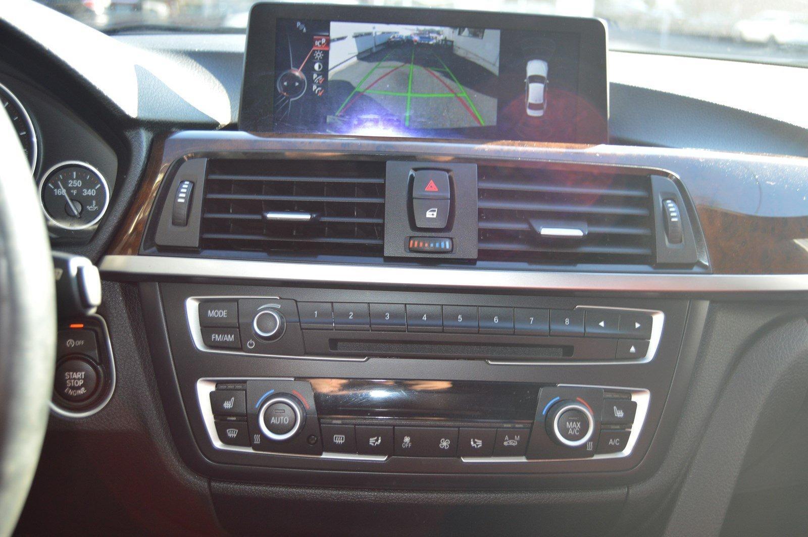 Used-2015-BMW--328i-xDrive--(Red-Interior-/M-Sport-Pkg/-Navi)