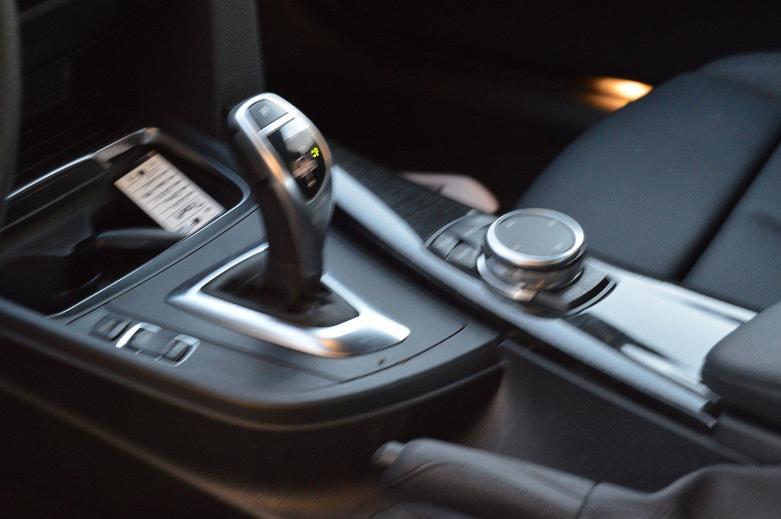Used-2016-BMW-3-Series-328i-xDrive-(Sports-Pkg/Navi)