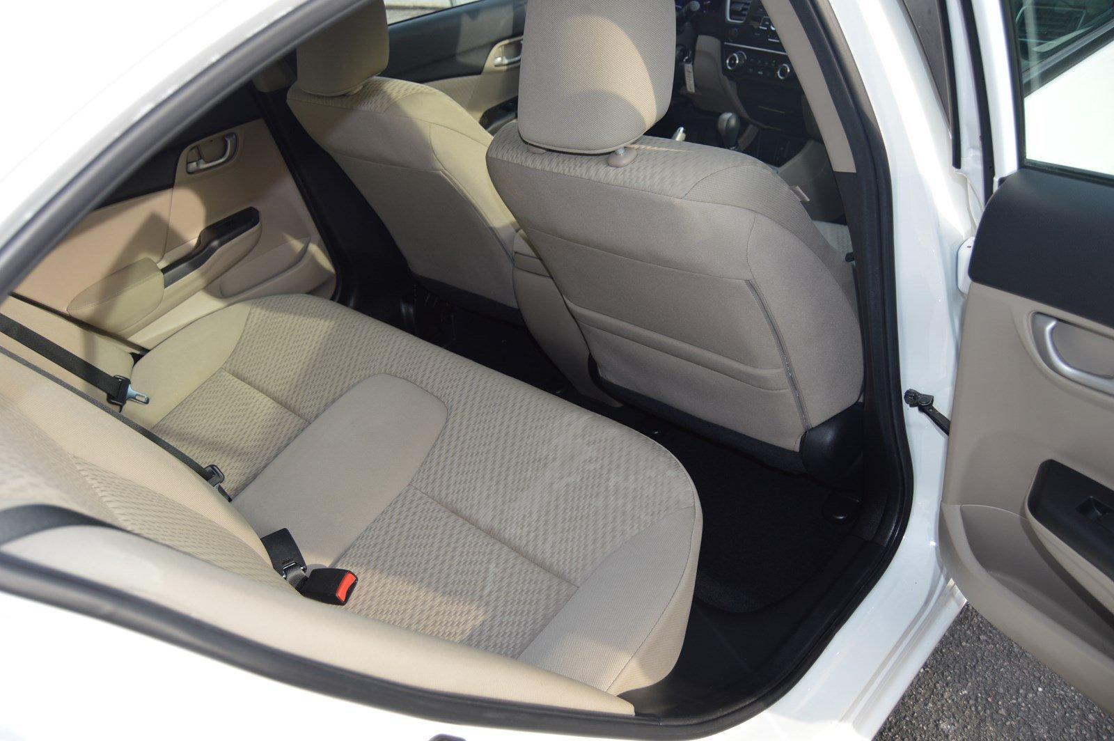 Used-2015-Honda-Civic-Sedan-LX-(Manual-Transmission)
