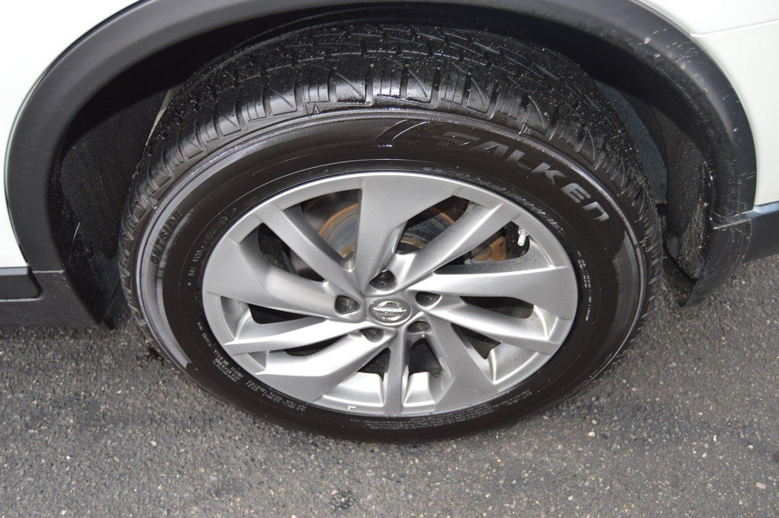 Used-2015-Nissan-Rogue-SL