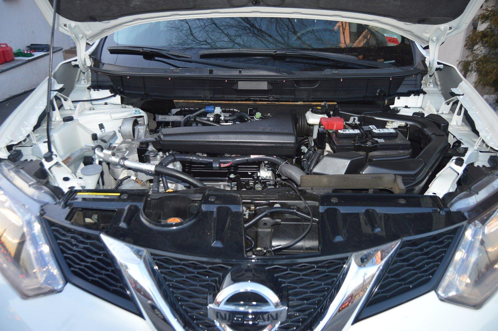 Used-2016-Nissan-Rogue-SV-(Pano-Roof)