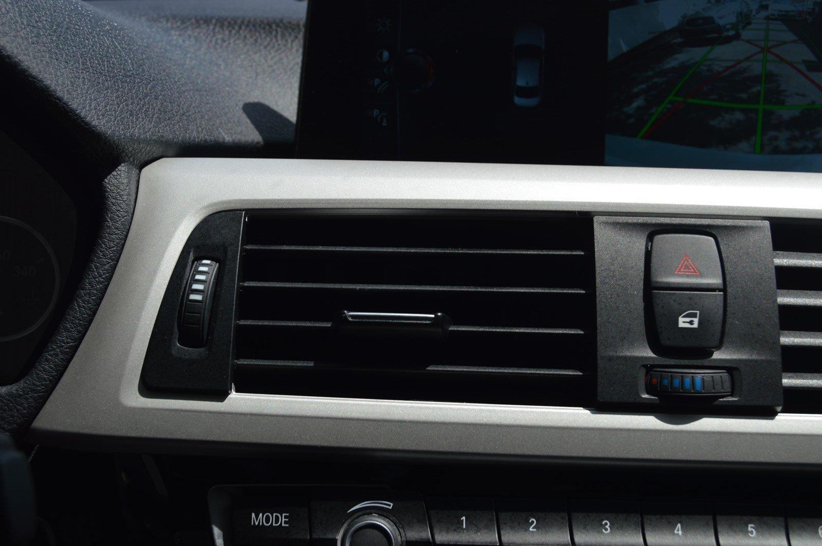 Used-2017-BMW-3-Series-320i-xDrive-(Navi,Sports-Pkg)