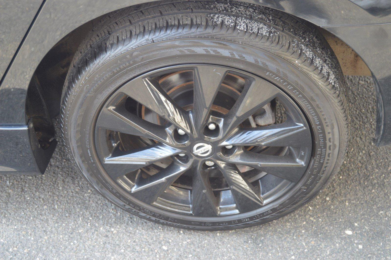 Used-2017-Nissan-Sentra-SR