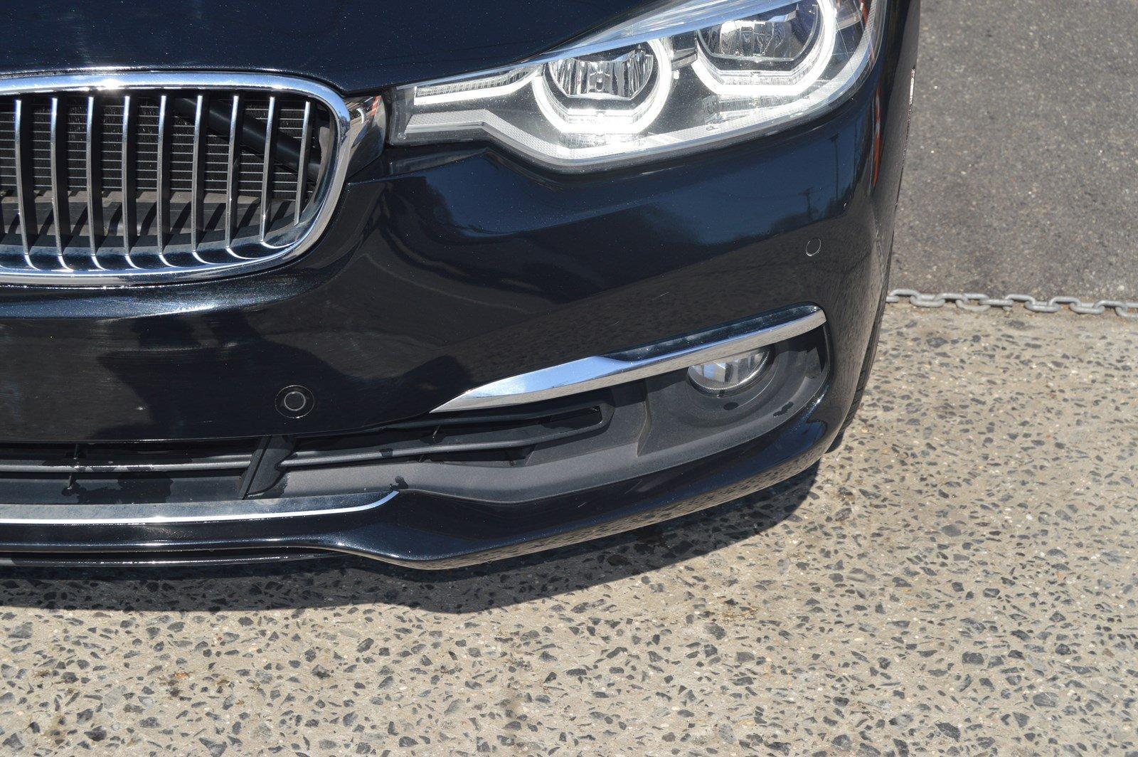 Used-2016-BMW-3-Series-328i-xDrive-(Sports-Pkg/-Navi)