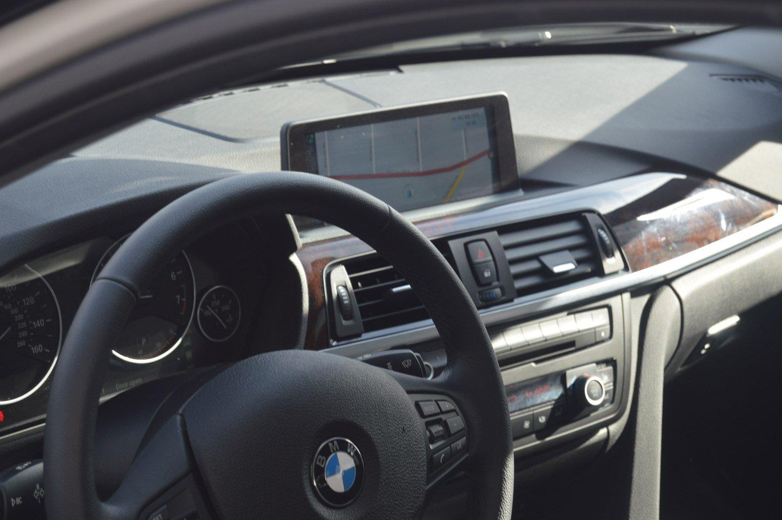 Used-2015-BMW-3-Series-320i