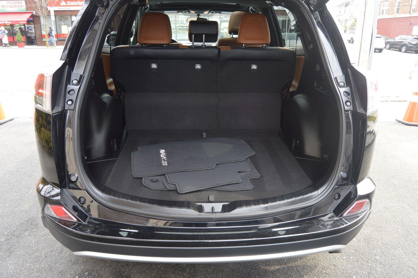 Used-2016-Toyota-RAV4-SE