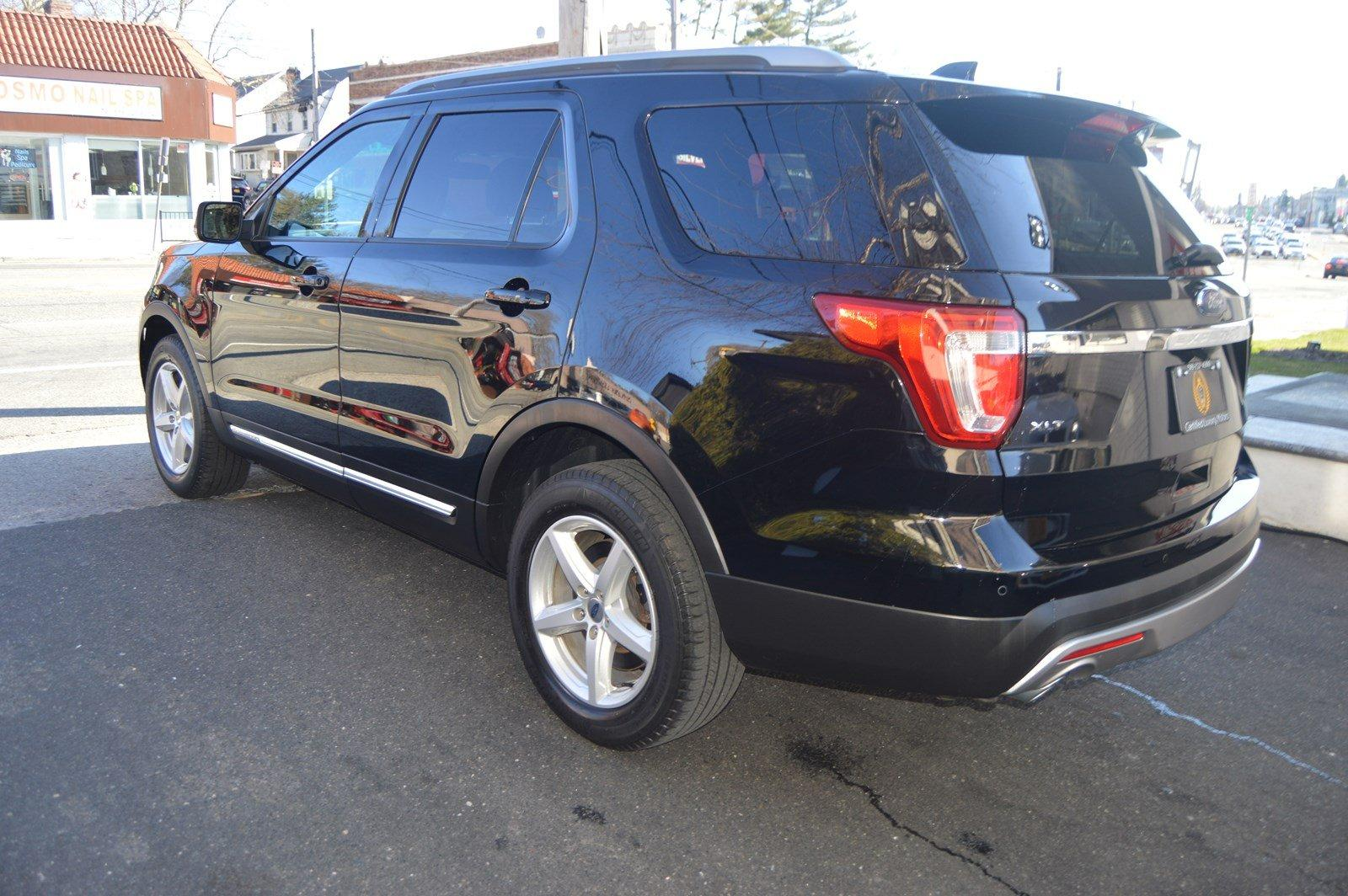 Used-2016-Ford-Explorer-XLT