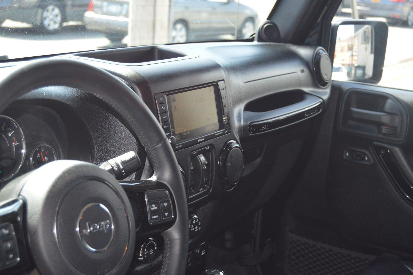 Used-2014-Jeep-Wrangler-Unlimited-Sahara-(Navi,-Leather)