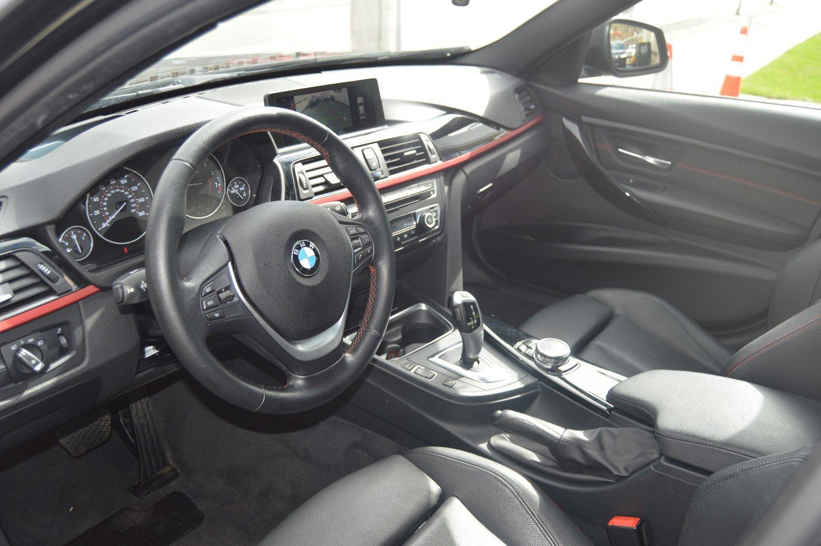 Used-2015-BMW-3-Series-328i-xDrive-(Sports-Pkg,-Navi)