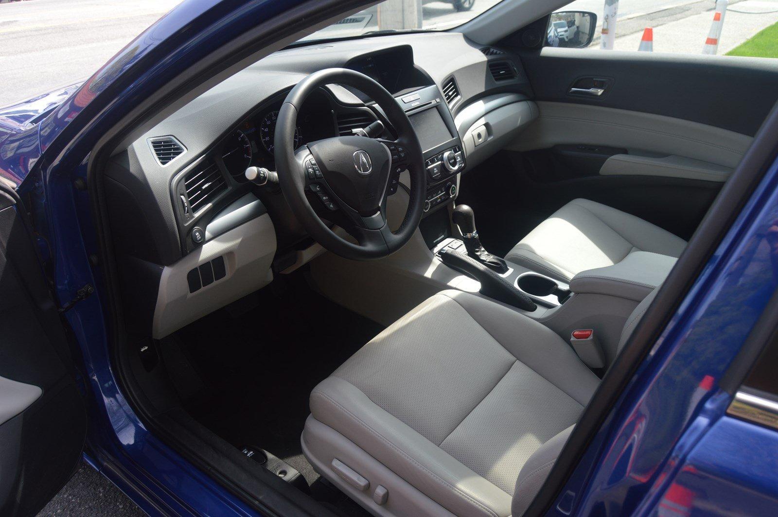 Used-2016-Acura-ILX-w/Premium-Pkg