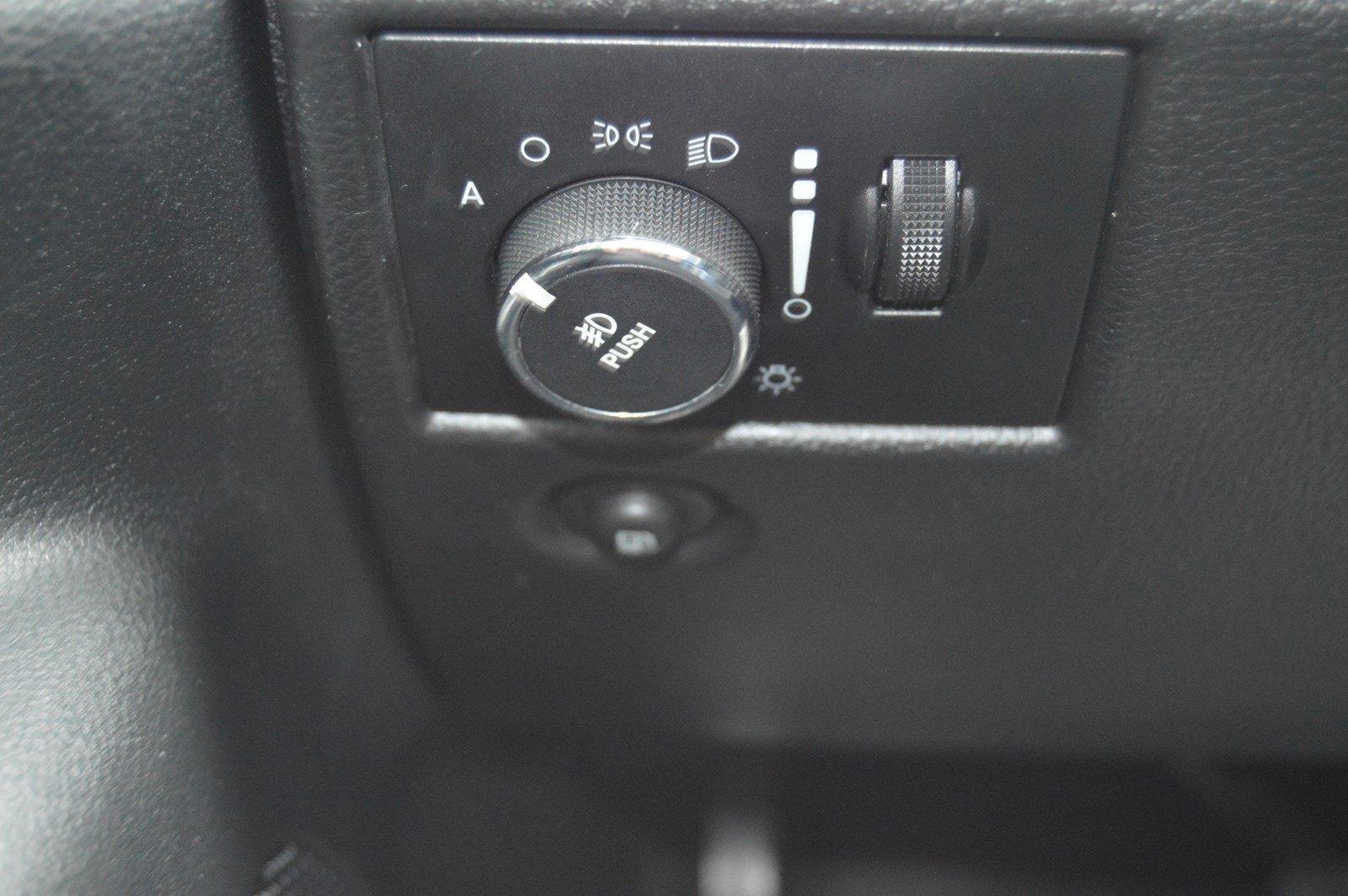Used-2012-Jeep-Grand-Cherokee-Laredo