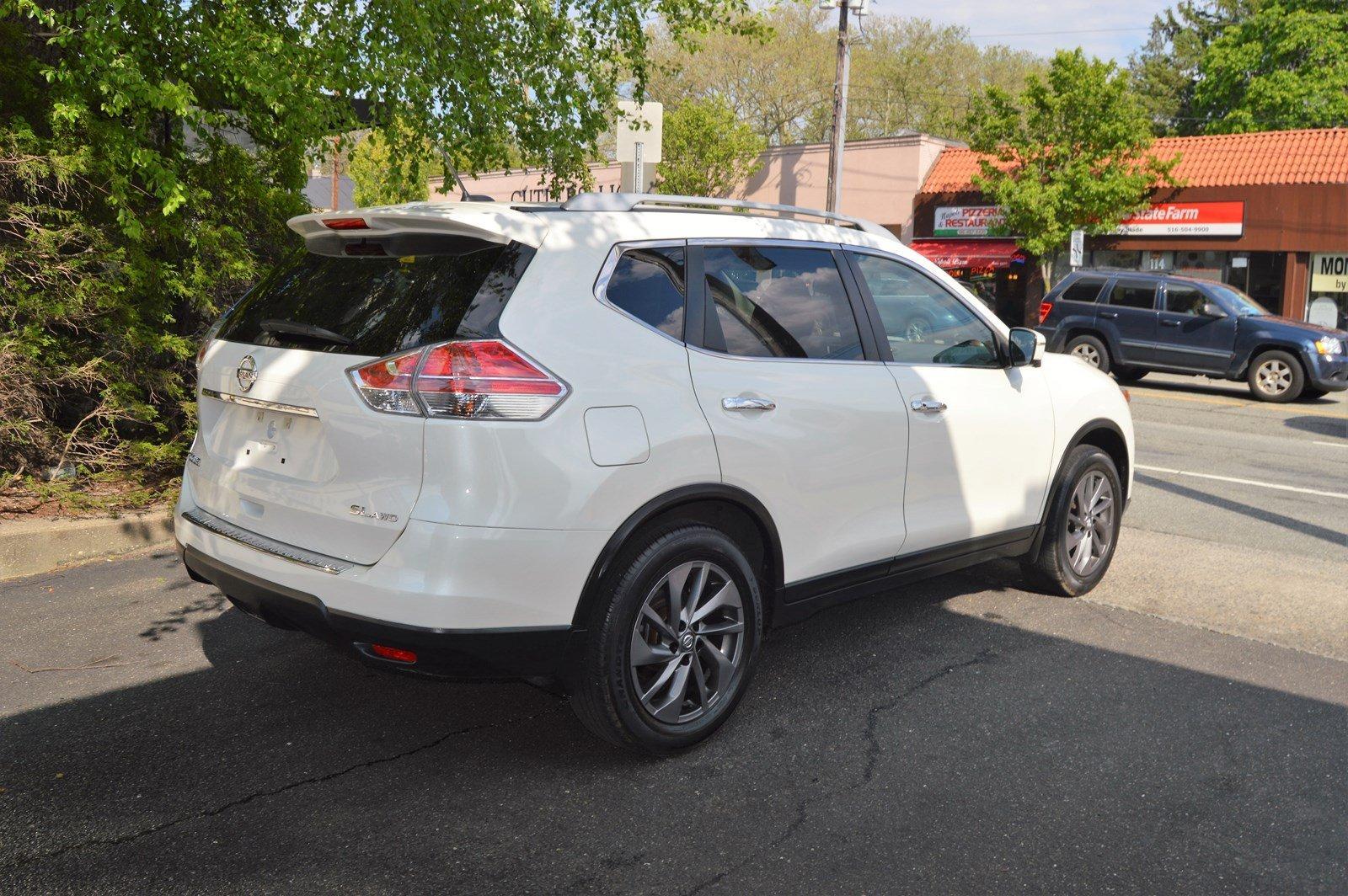 Used-2016-Nissan-Rogue-SL
