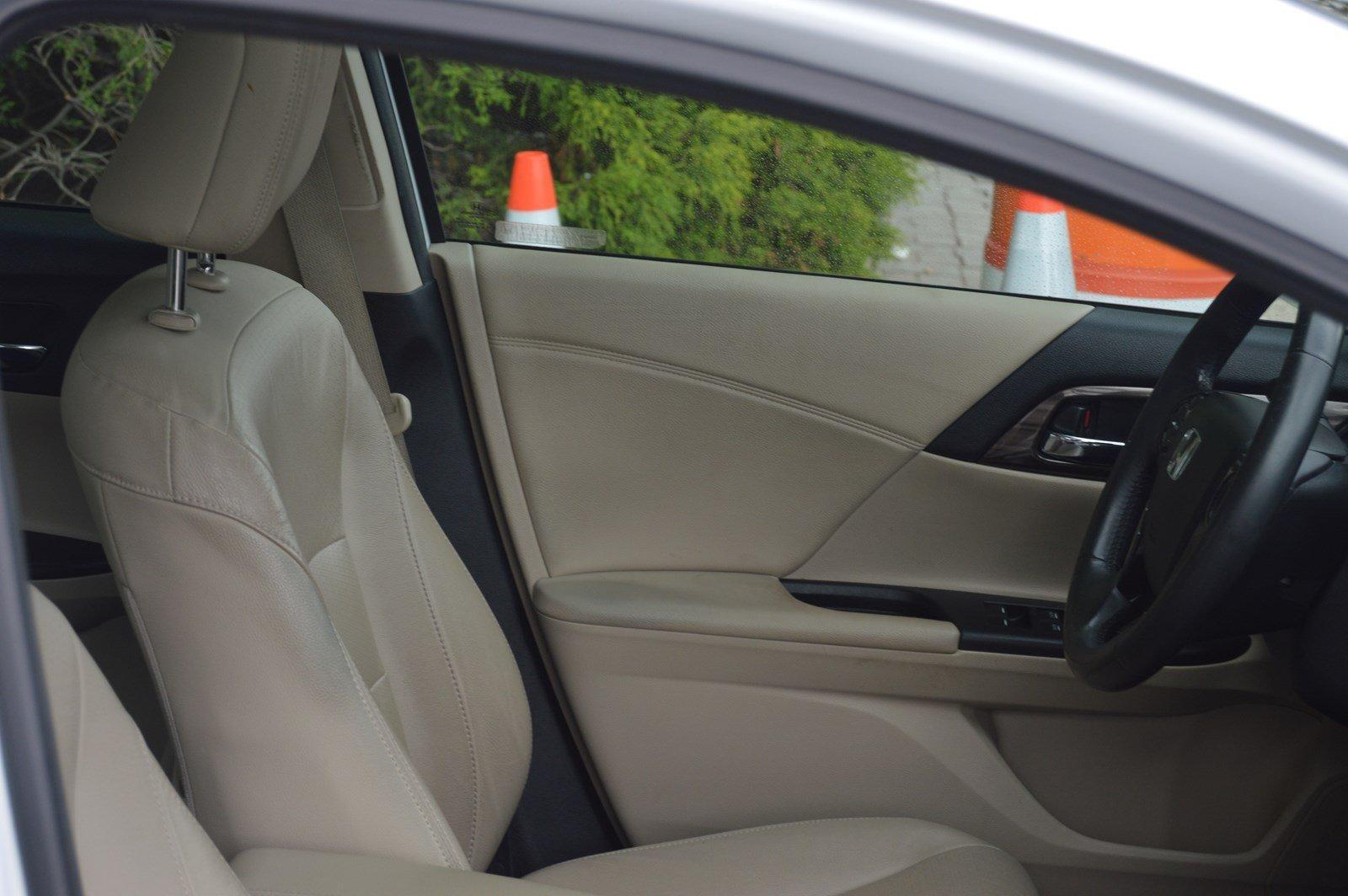 Used-2016-Honda-Accord-Sedan-EX-L