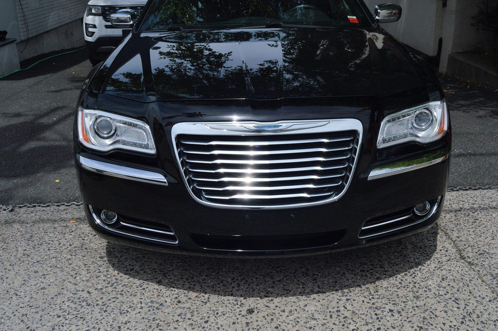 Used-2012-Chrysler-300-Limited