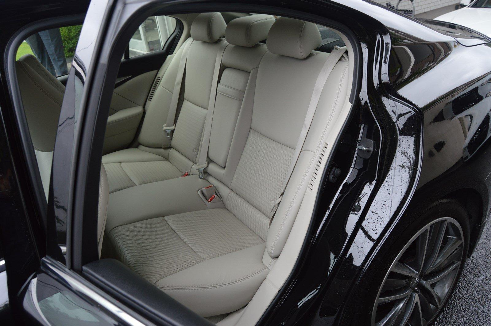 Used-2015-INFINITI-Q50-Hybrid-Sport