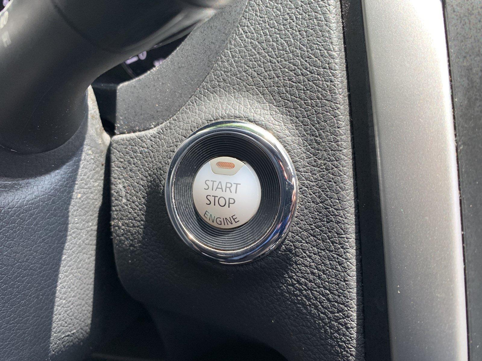 Used-2016-Nissan-Altima-25-SV-(Navi,Sunroof)