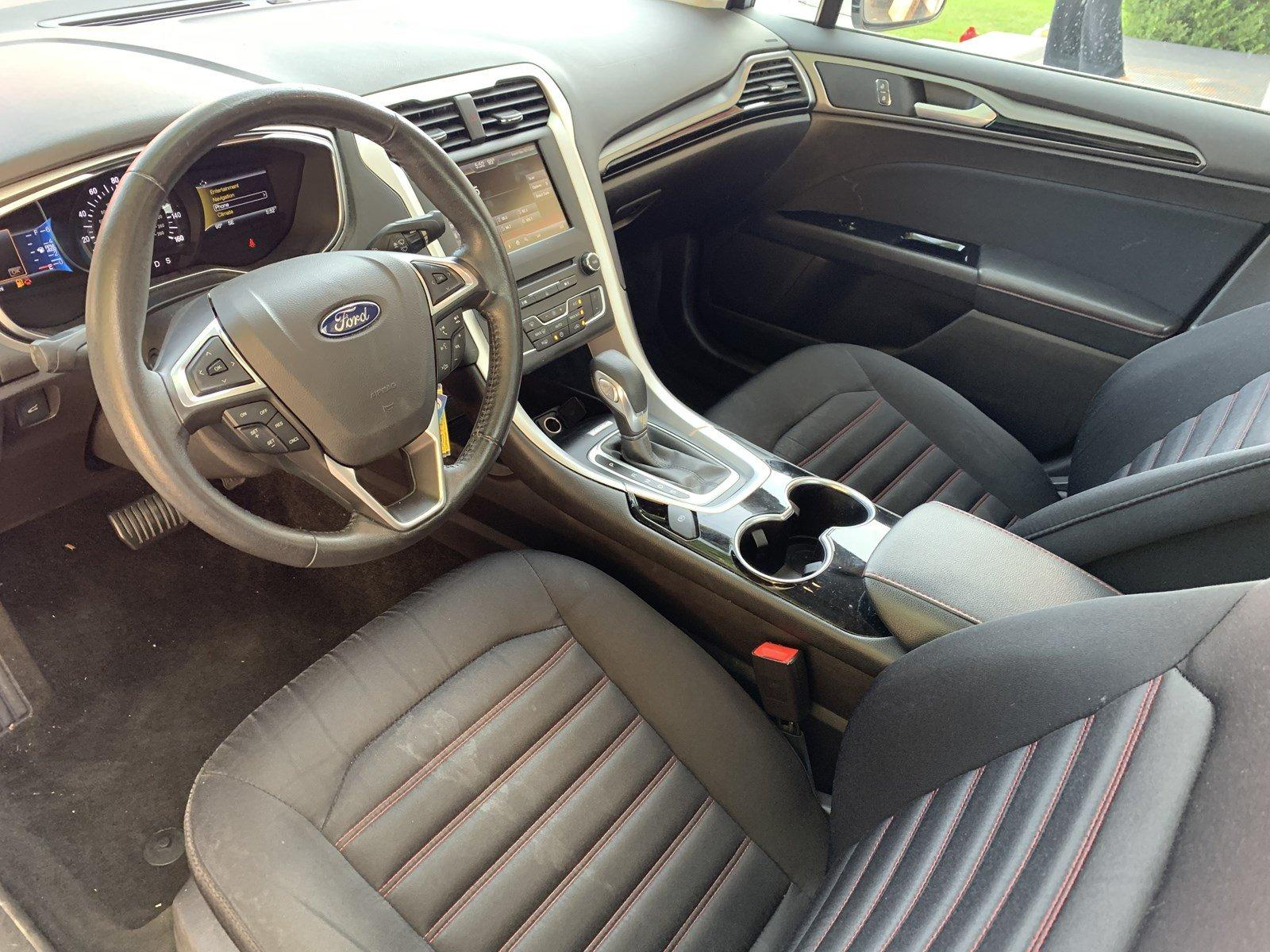 Used-2016-Ford-Fusion-SE-(Navi/Sunroof)