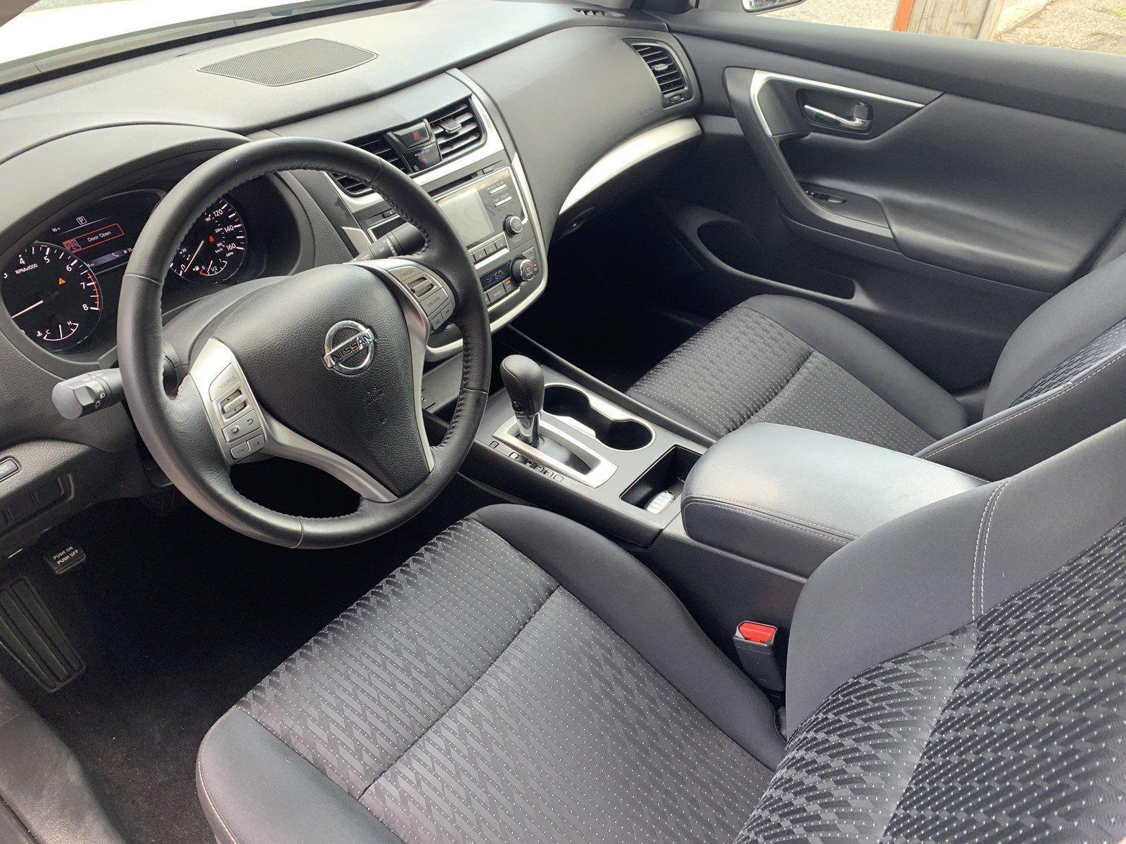 Used-2016-Nissan-Altima-25-SV