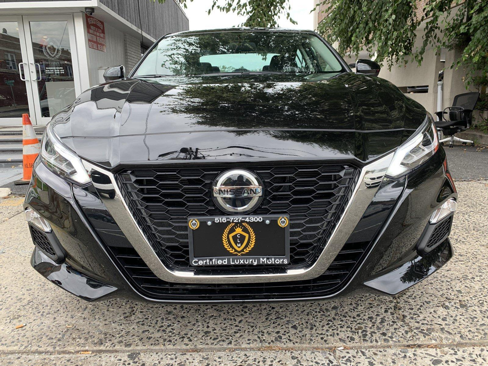 Used-2019-Nissan-Altima-25-SR-(ONLY-2K-MILES!)