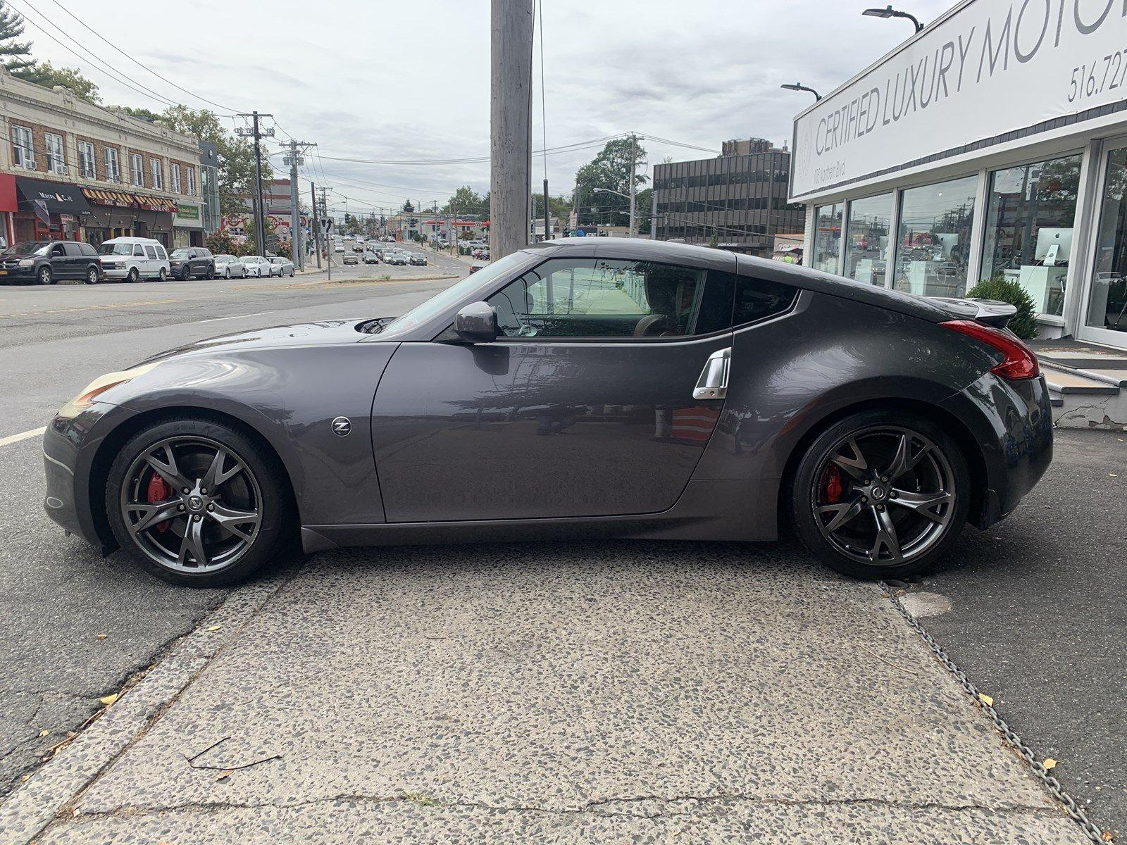 Used-2010-Nissan-370Z-Touring