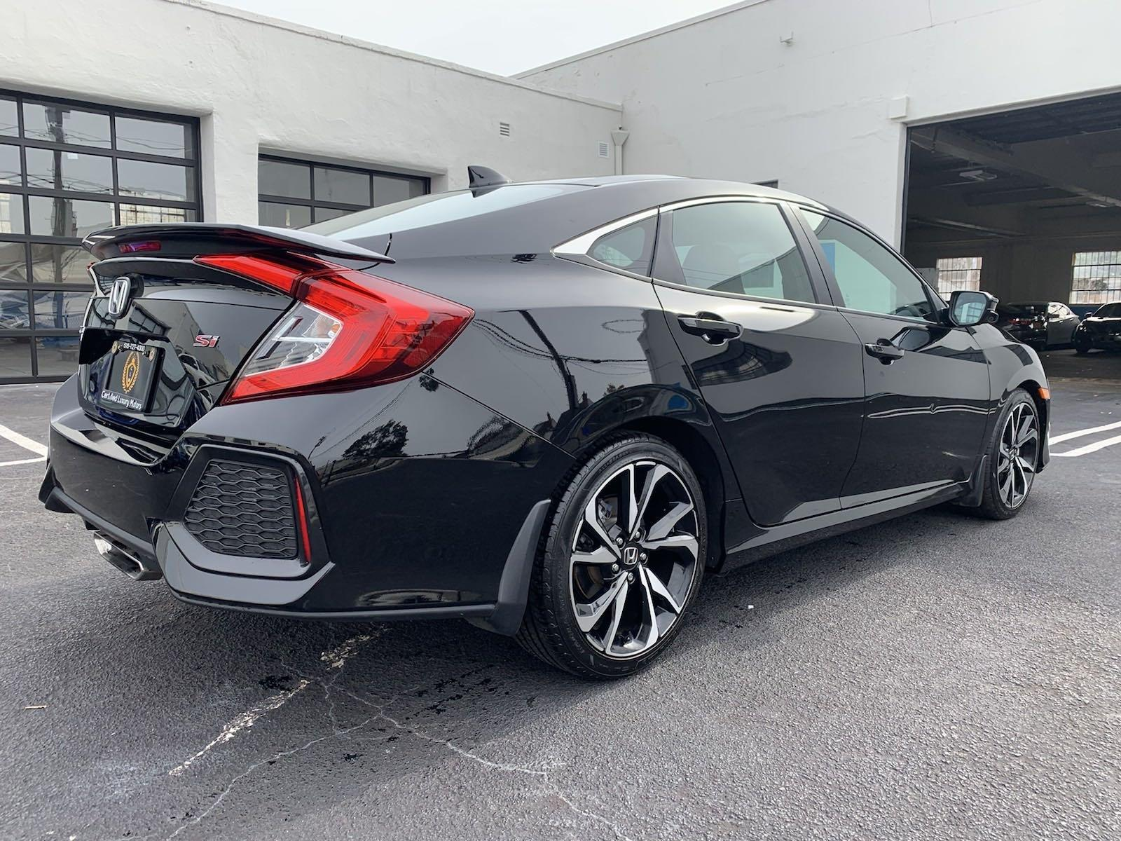 Used-2018-Honda-Civic-Si-Sedan