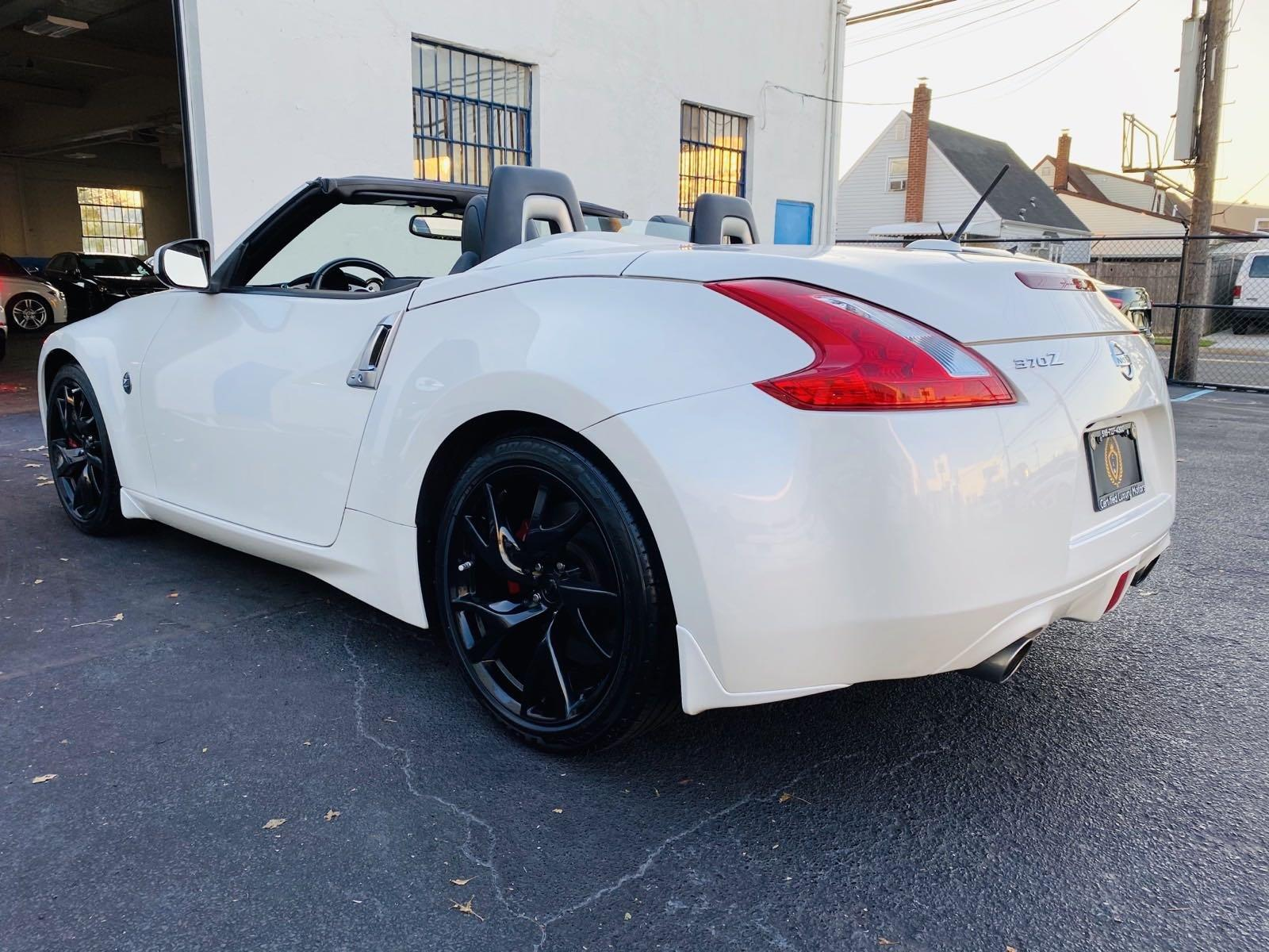 Used-2014-Nissan-370Z-Touring