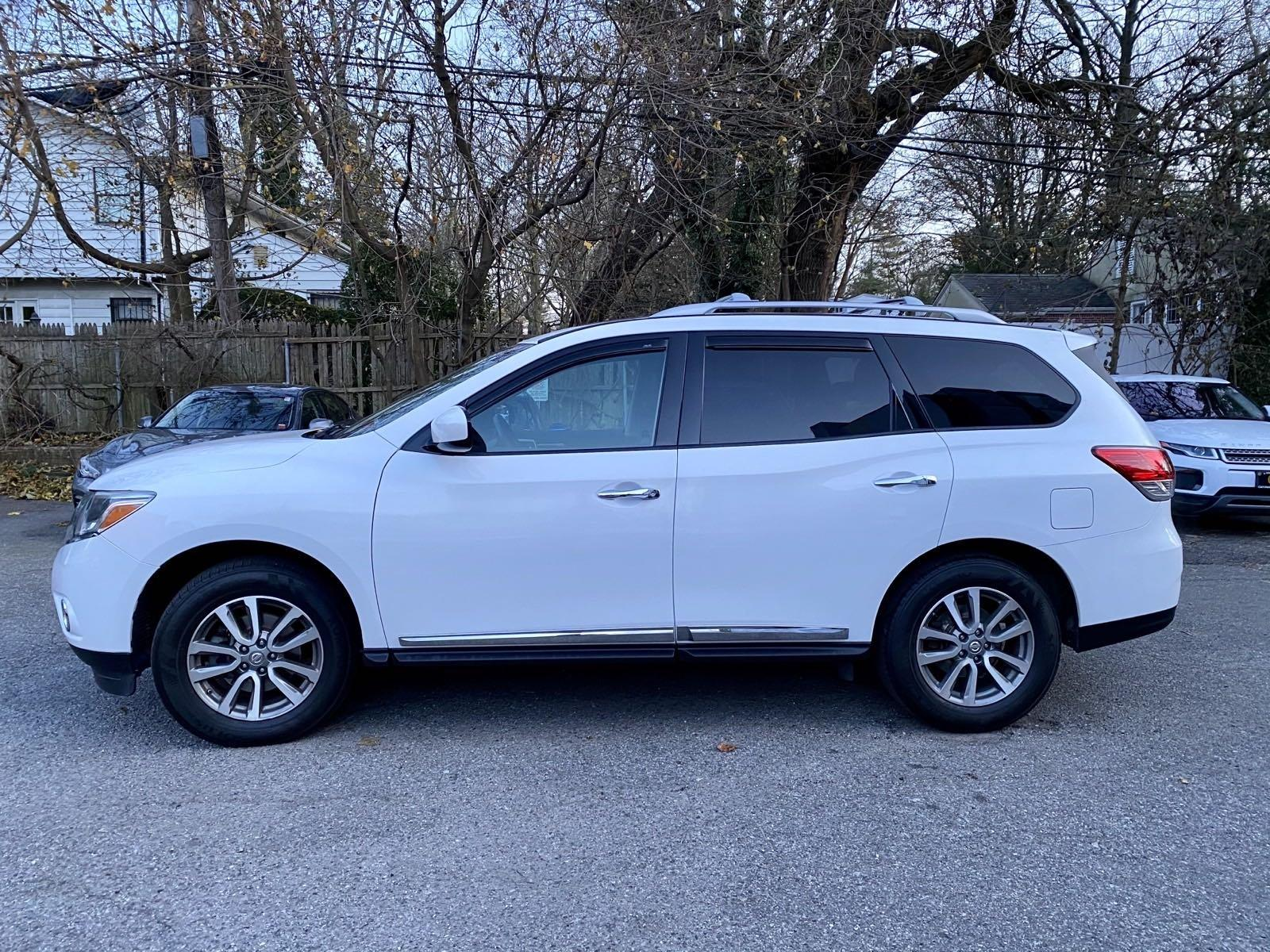 Used-2014-Nissan-Pathfinder-SL