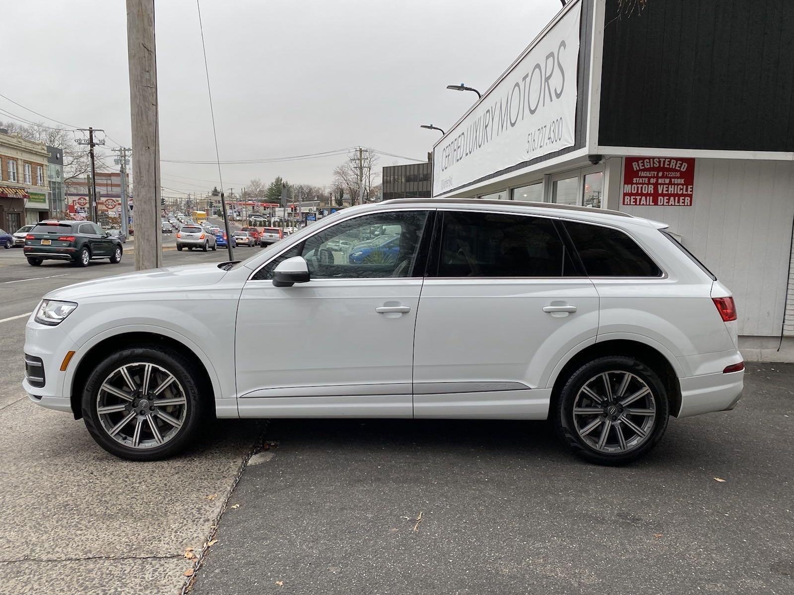 Used-2017-Audi-Q7-Premium