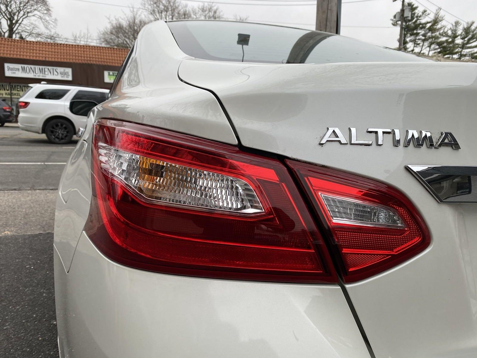 Used-2017-Nissan-Altima-25-S