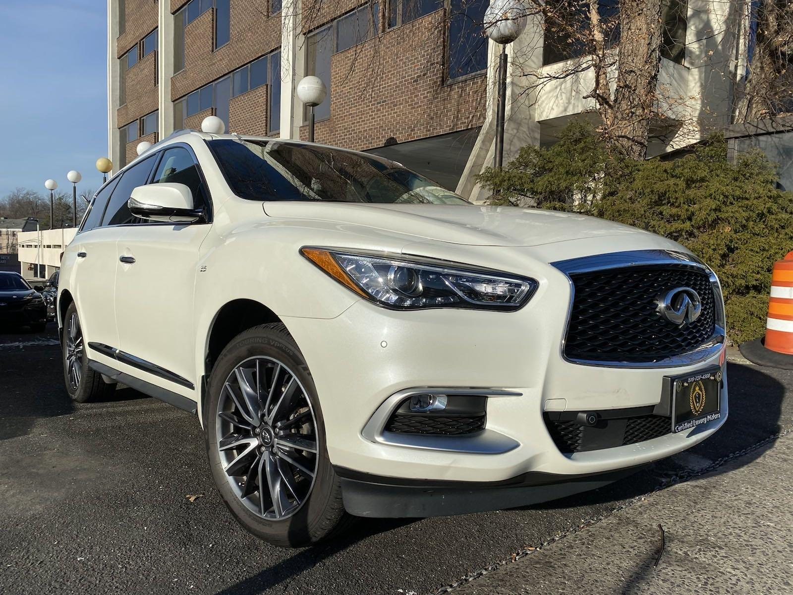 Used-2016-INFINITI-QX60-AWD-w/-Entertainment-Pkg