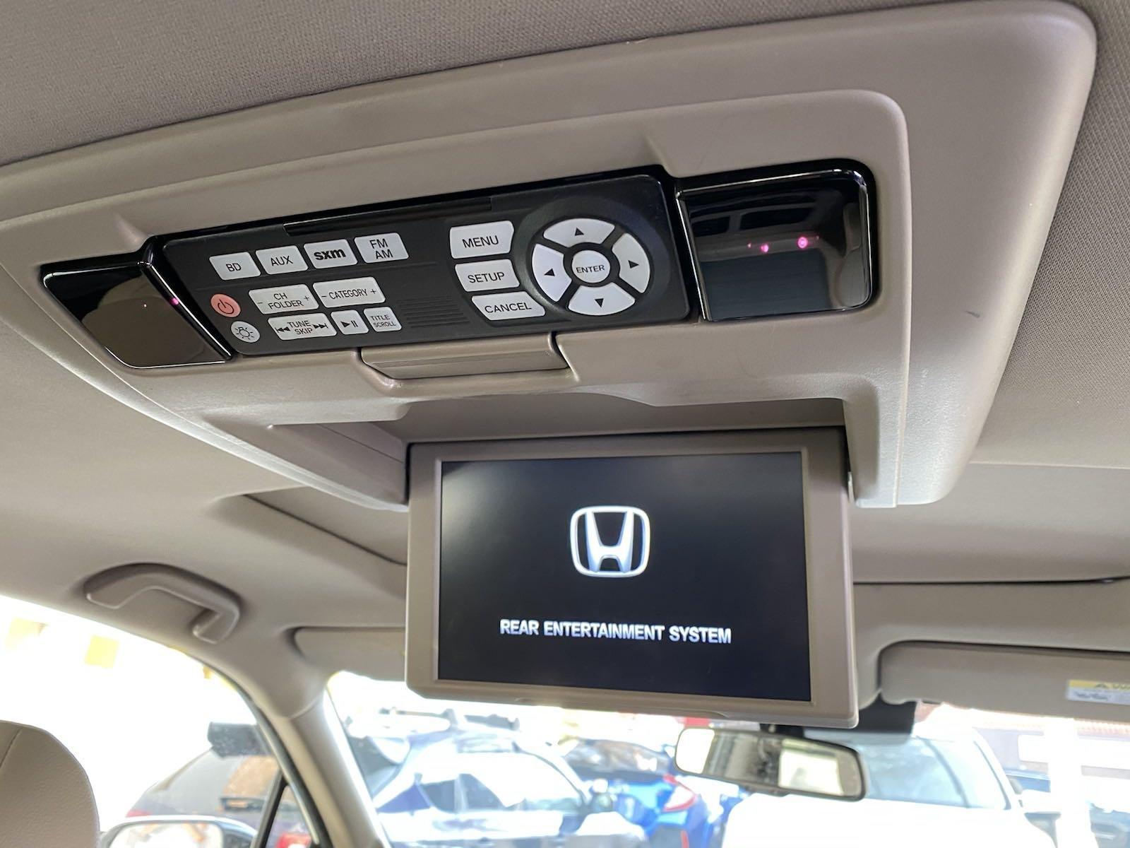 Used-2016-Honda-Pilot-Elite