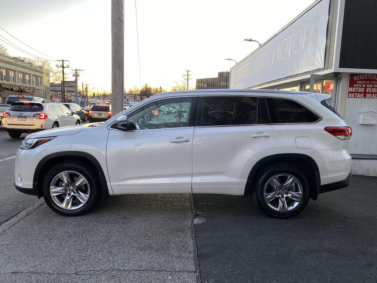 Used-2017-Toyota-Highlander-Limited