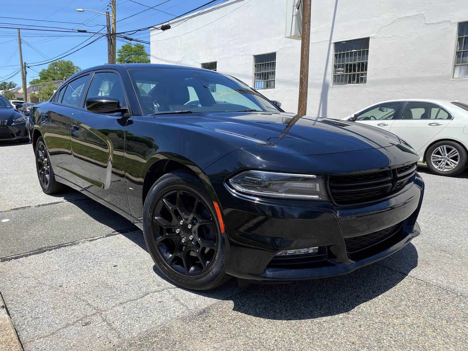 Used-2016-Dodge-Charger-SXT