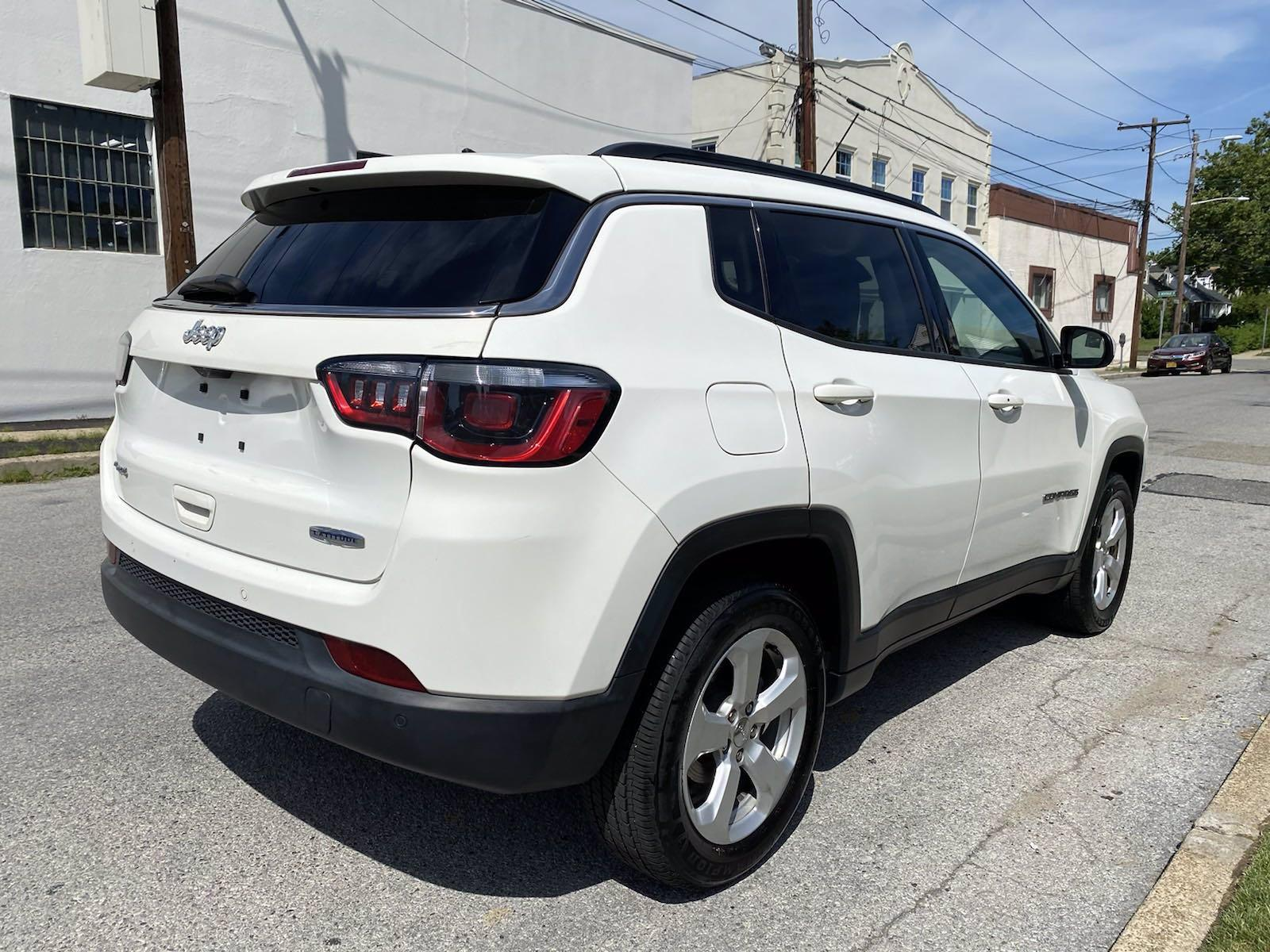 Used-2017-Jeep-Compass-Latitude