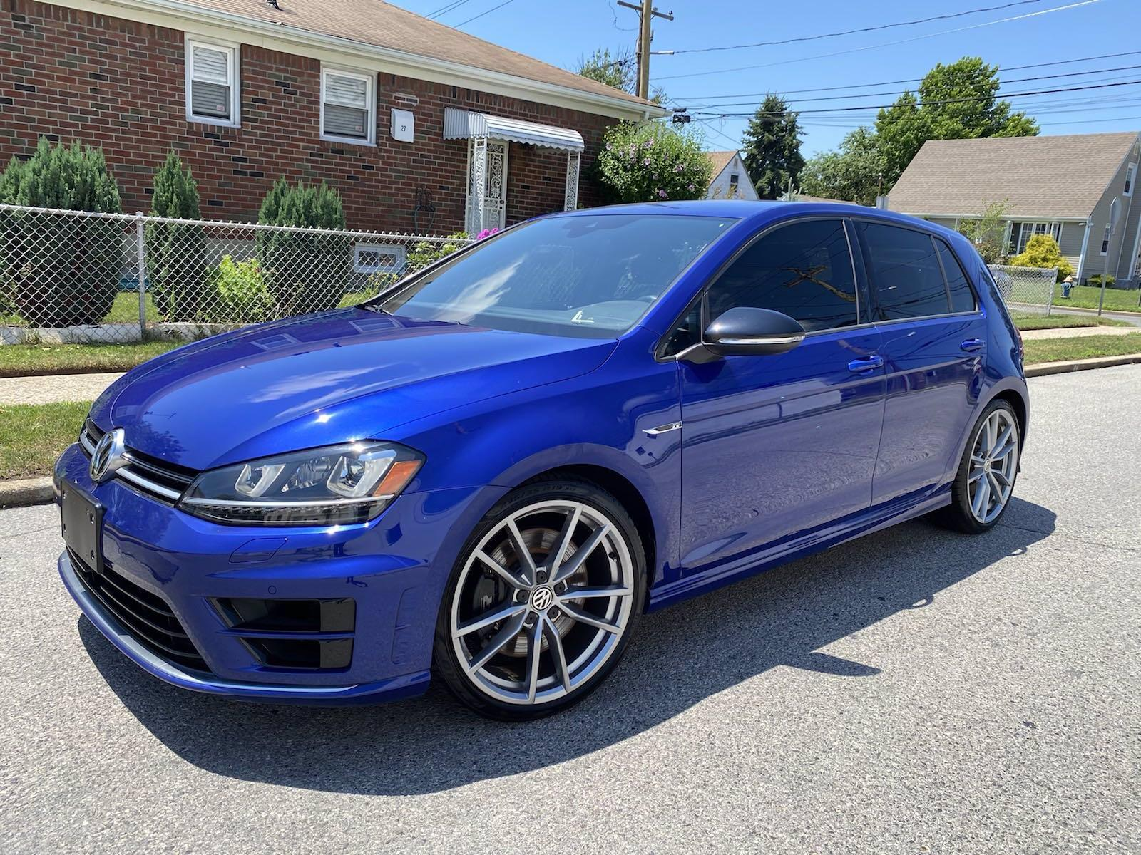 Used 2017 Volkswagen Golf R  | Great Neck, NY