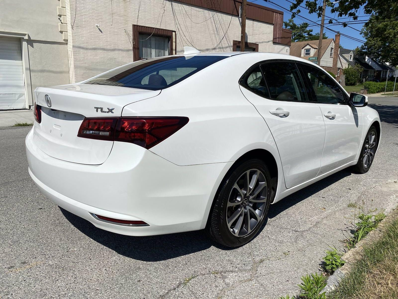 Used-2017-Acura-TLX-V6-w/Technology-Pkg