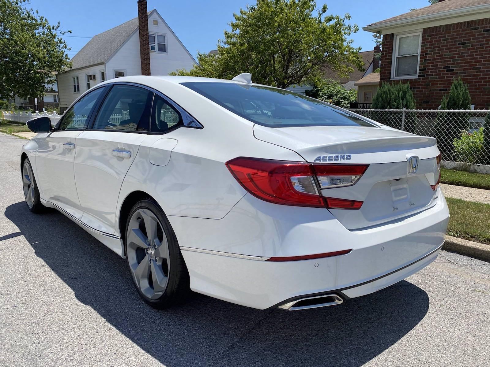 Used-2018-Honda-Accord-Sedan-Touring-15T
