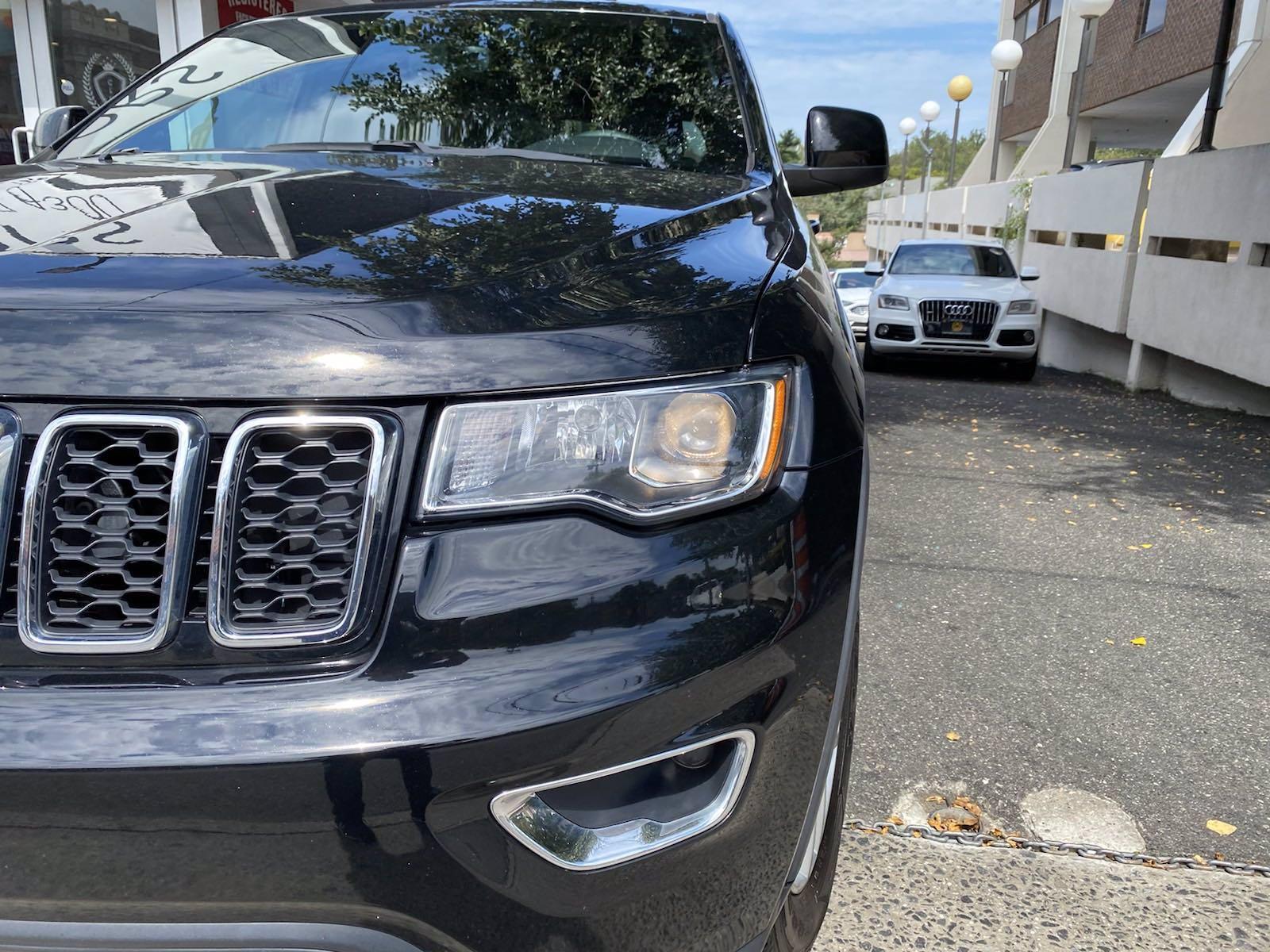 Used-2017-Jeep-Grand-Cherokee-Laredo